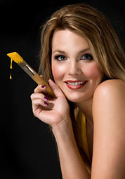 Jaclyn with paintbrush (small)